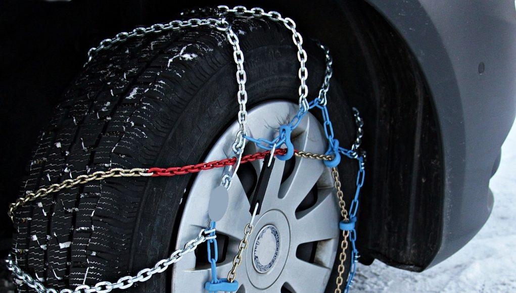 Comment monter des chaines neige